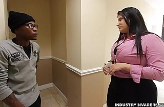 Kim Cruz Thick Latina gives Blowjob in her Office