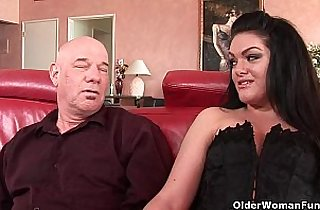 Milf Alyssa gets anally fucked by thick cock