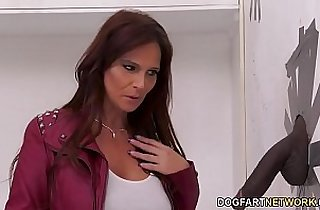 Detective Syren DeMer Has Anal threesome With A Big Black huge Dick Gloryhole