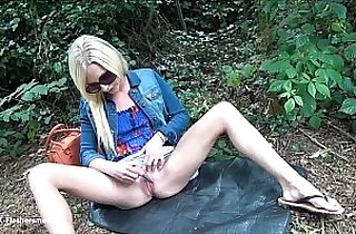 Sexy blonde public flashing and outdoor babes masturbation in parks