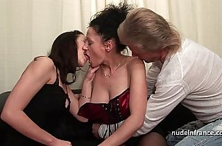 FFM Amateur couple teaching a young babe in hard fist fuck