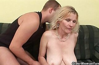 Older mom with tits and hairy pussy gets huge facial